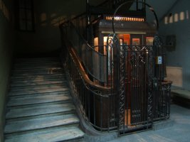 nice+old+elevator+1